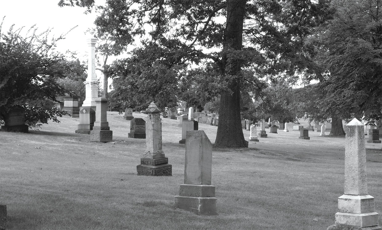 WOODMERE CEMETERY // PHOTOGRAPH BY GAIL HERSHENZON